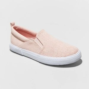 NWT (1) Big Girls Suede Loafer Sneaker